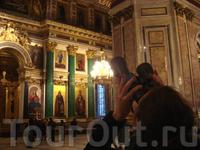 красоты под куполом собора лучше разглядывть поближе...