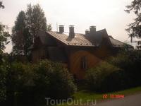 вполне жилой старый дом