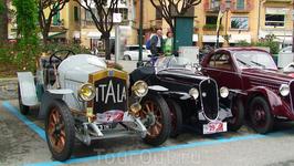 На выставке ретромобилей  в Санта-Маргерите. Все старички на ходу и прекрасно выглядят! Хоть и колеса - деревянные!