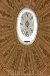 Купол Собора имеет необычную форму эллипса.