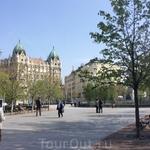 """Это площадь Свободы. Именно здесь стоит памятник советским воинам, погибшим во время взятия Будапешта. Замечали ли вы, что говорят: """"Освобождение Варшавы"""" ..."""