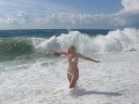 были нереально высокие волны...приходилось убегать :)