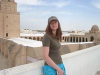 на крыше мечети