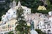 Амальфи, памятник амальфитанцу Флавио Джойя - изобретателю прототипа современного компаса