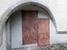 На выходе из собора, слева, вот такие могильные плиты похороненным здесь рыцарям.