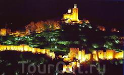 Вечернее световое шоу в крепости Царевец