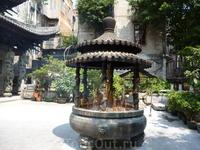 Храм Хуалинь Станция метро: Changshou Lu