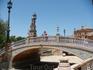 Изразцовый мост в парке Марии-Луизы