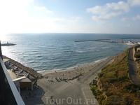 Средиземное море и отель Карлтон