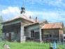 Рядом с ней расположена действующая Церковь Илии Пророка, возведенная в 1864 году