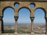 вид на Синтру, побережье и океан с площадки дворца Пена