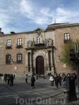 Толедо. Дворец Архиепископа: фасад со стороны Муниципального Совета