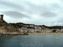 Подплываем к Тосса де Мар. Слева крепость Вилла Велья.