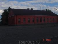 это офис музеев крепости, бывший дом коменданта