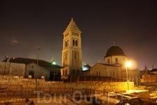 Вид с крыш в сторону храма Воскресения.