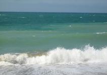 Судацкий пляж. Набежавшая волна 2.
