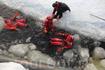 а потом нас вылавливали и вытаскивали на лёд, самим это сделать очень сложно
