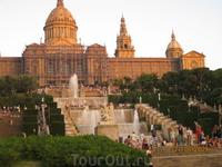 Поющие фонтаны площадь Испании.