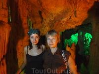 Пещера Сфендони - одна из самых больших и красивых пещер. Есть сталактиты и сталагмиты, водятся летучие мыши.