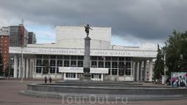 Красноярск, театр Оперы и балета.