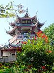 Первые пагоды в Китае начали строить во II веке. В настоящее время их насчитывается несколько тысяч.