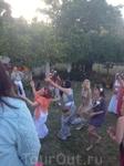 как обычно, толпа на всего 1 букет невесты. Самарская девушка оказалась самая... хотящая замуж ))