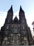 Храм Свв. Петра и Павла неоднократно перестраивался разными архитекторами и в разных стилях, и только в 1885 г. принял нынешний вид после реконструкции ...