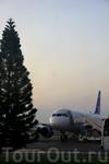 минут 10 до восхода солнца, минут 20 до вылета...
