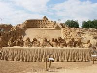 """Фестиваль песчаных скульптур в Альбуфейре - """"тайная вечеря"""""""