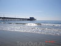 Пирс на тихоокеанском побережье города Newport Beach, Ca.