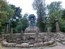 К Петропавловской крепости мы шли через Александровский парк. Там, в восточной части парка около Каменноостровского проспекта стоит памятник, прославляющий ...