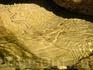 А еще в озере много водяных змей, которые выползают на прибрежные камни погреться на солнышке.
