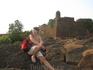 Позади - форт Чапора
