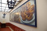 А это кафе в Белене,где выпекают знаменитые корзиночки из слоеного теста с заварным кремом.В выходные и праздничные дни здесь выпекают по 20 тыс.пирожных ...