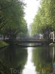 Канал на главном бульваре Дюссельдорфа