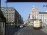 Слева-Отель «Астория»