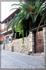 Поселок Афитос. Сложно выбрать именно ту фотографию, которая характиризовала этот поселок. Узкие улочки и мощеная дорога. А дома чем-то напоминают отель ...