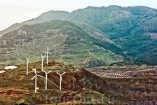 Альтернативная энергетика острова. Этих ветряков на острове очень много