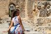 В руинах терм Антонина на земле Карфагена.