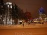 Новогодние вечера на Комсомольской площади, расположенной аккурат перед железнодорожным вокзалом