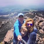 А это фото сделано на высоте 3 500 метров на вершине Этны.