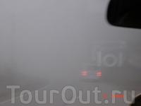 Когда вечером возвращались из Далата в горах вначале был сильный туман, который плавно перешел в ночь. Из-за плохой видимости ехали очень медленно и долго ...