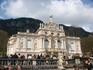 А это сам замок Линдерхоф - больше напоминающий дворец в барочном стиле.