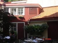Раньше стоимость (и престижность) дома во многом определялась количеством метров, которые занимал фасад дома. Но пусть многие дома и занимали xem-чуть ...