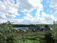А это небольшая деревушка Хевроньино на берегу реки Свирь и совсем рядом с районным центром.