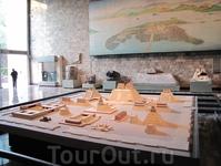 государственный музей архиологии. выставлены экспонаты всех циывилизаций и культур заселяющих когда-то Юкатан. макет древнего Мехико-сити