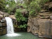 До этого водопада надо подниматься по 500 ступенькам. Острова Ня Чанга