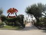 Пляж Папетте, по выходным приезжает ди-джей, играет сеты. Народ танцует прям на лежаках. ПОЗИТИВ!