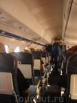 Самолётики, которые летают между Питером и Таллинном маленькие, 2 кресла справа и одно слева - тем больше мест у окна для любителей наслаждаться пейзажами за окном) Всего 1 стюардесса на рейсе. Зато!