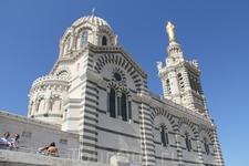 """Собор """"Матери -заступницы"""" как сами марсельцы прозвали этот собор доминирующий над городом."""